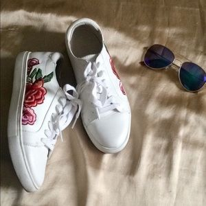 Kenneth Kole (floral) Embroidered Sneakers